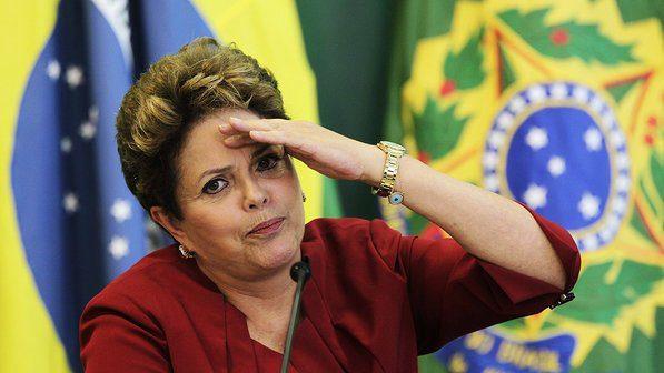 Dilma sembra 'scrutare' in direzione del proprio orizzonte politico