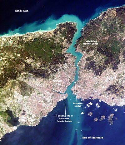 Vista aerea del passaggio del Bosforo.
