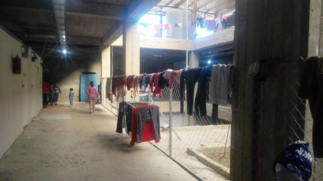 Molti sfollati hanno trovato rifugio in centri commerciali o edifici in costruzione - Foto: autore