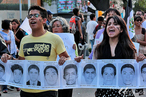 43 students mexico foto