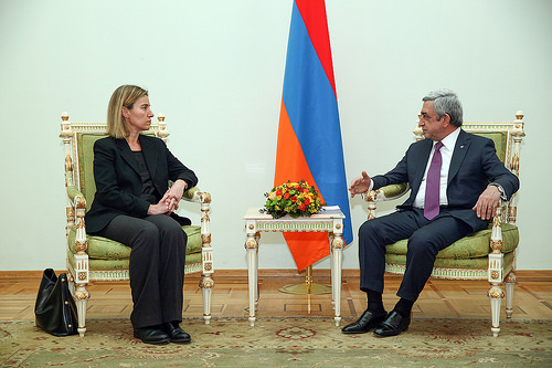 Mogherini Yerevan foto